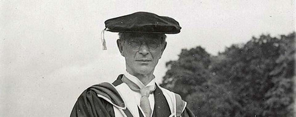 LA30/PH/399. Photograph of Eoin MacNeill at the Eucharistic Congress 1932, Dublin.