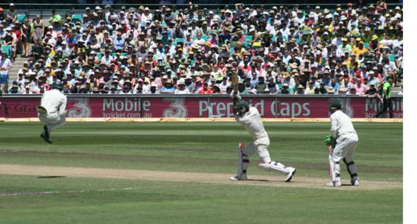 A cricket shot from Privatemusings, taken at the second day of the SCG Test between Australia and South Africa