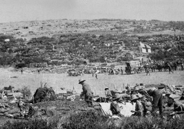 Chocolate-Hill-at-Suvla-Bay,-Gallipoli,-1915-960